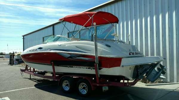 2004 Monterey 233 Explorer Deck Boat