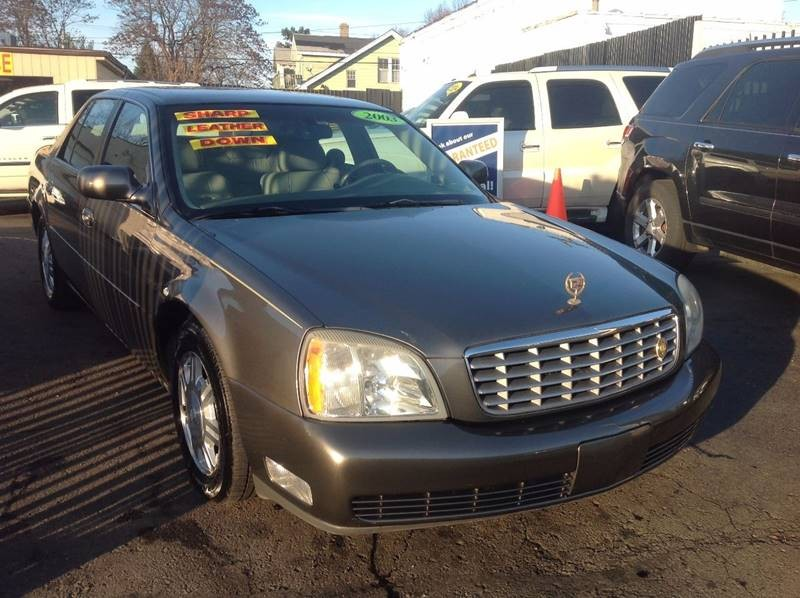 2003 Cadillac DeVille Base 4dr Sedan