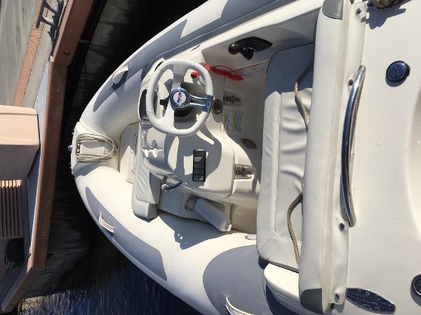 2012 Avon Seasport 330