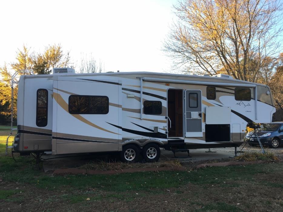 2009 Keystone BIG SKY 350RLQ