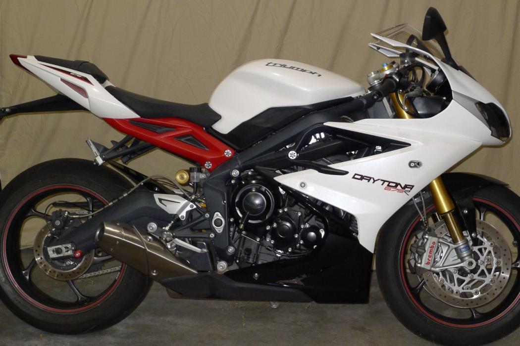 2013 triumph daytona 675r motorcycles for sale. Black Bedroom Furniture Sets. Home Design Ideas