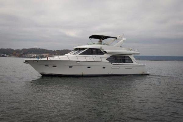 2000 Bayliner 5788 Pilothouse