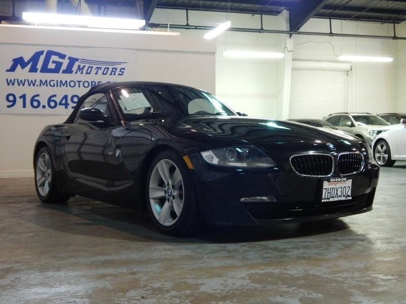 2007 BMW Z4 2dr Roadster 3.0i