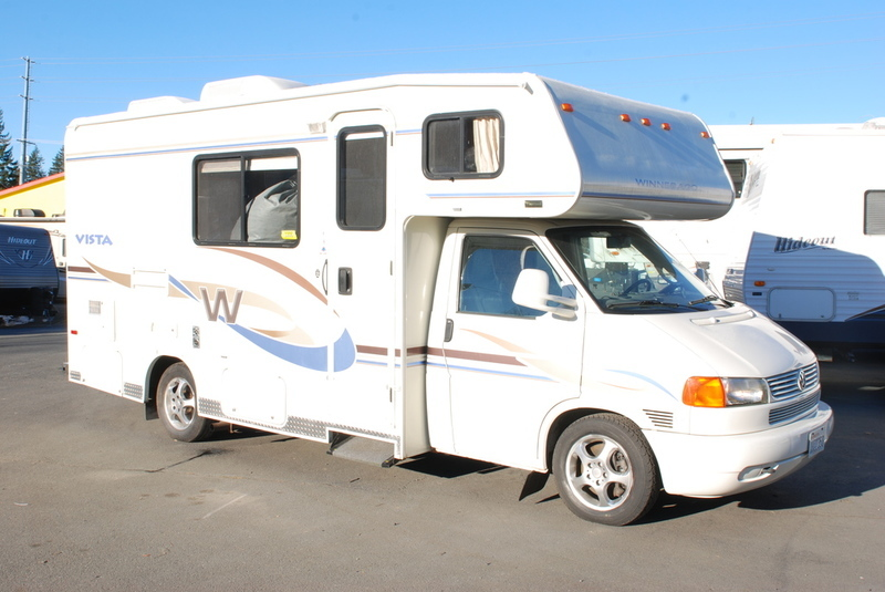 2004 Winnebago Vista 21B