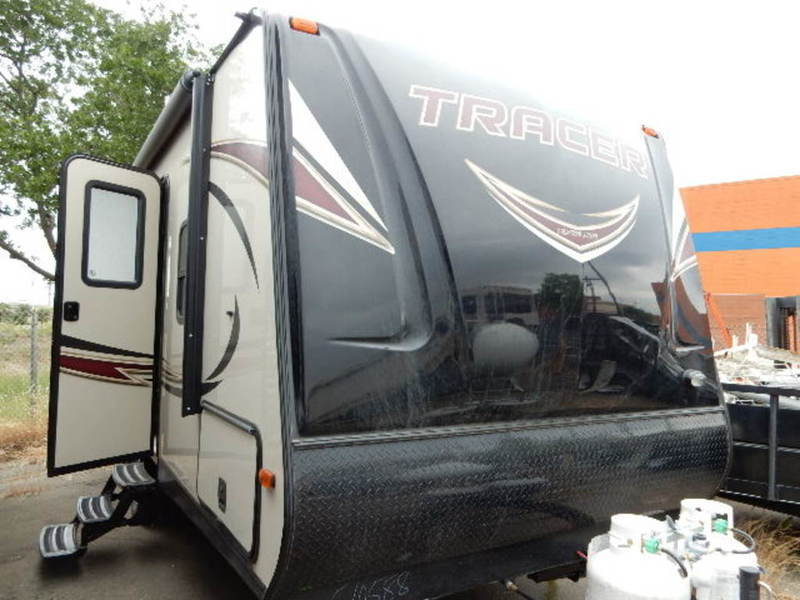 2016 Prime Time Tracer 230FBS