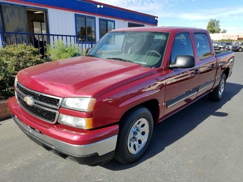 2007 Chevrolet Silverado 1500 Classic 2WD Crew Cab 143.5 LS Cheyenne