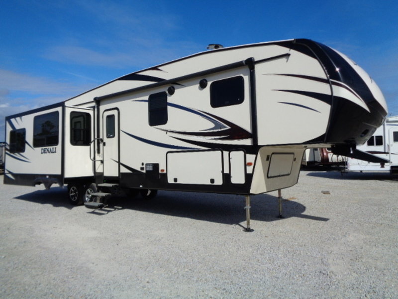 2017 Dutchmen Denali Fifth Wheel 316RES(GP)