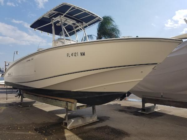 2003 Boston Whaler 240 Outrage