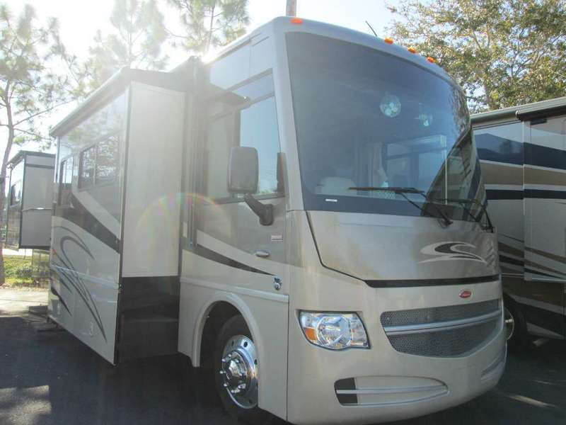 2013 Winnebago Sightseer 33C