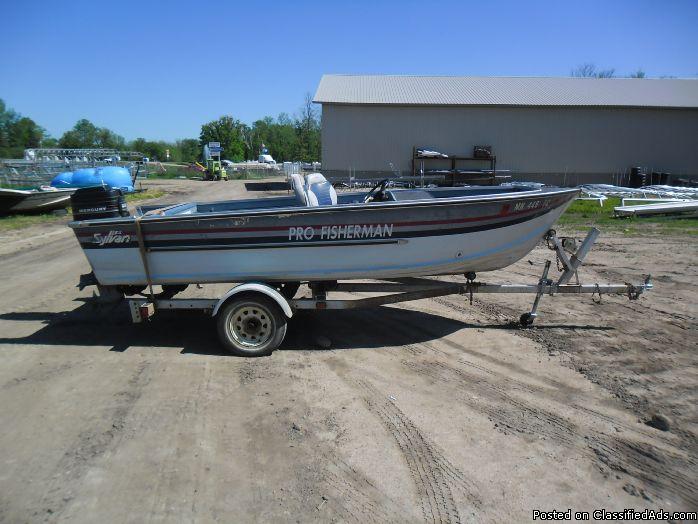 1987 Sylvan Pro Fisherman 16' & Mercury 45 #6253