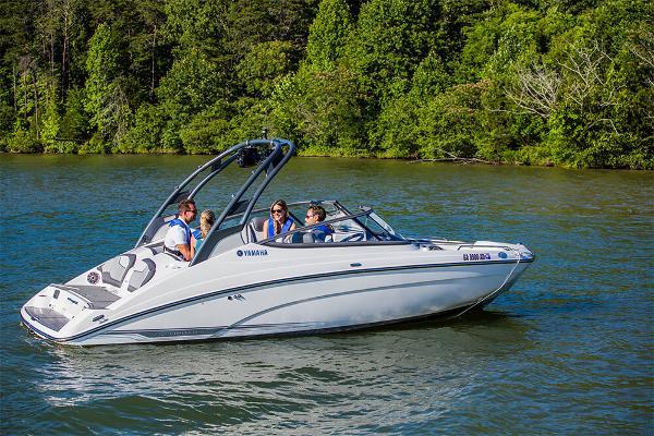2017 Yamaha Sport Boat 212 LIMITED S