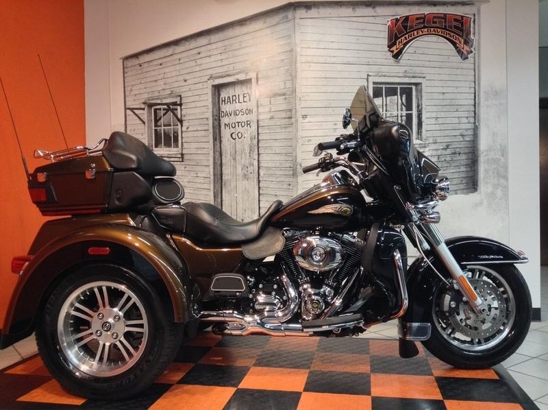 2013 Harley-Davidson FLHTCUTAE - Tri Glide Ultra Classic 110t
