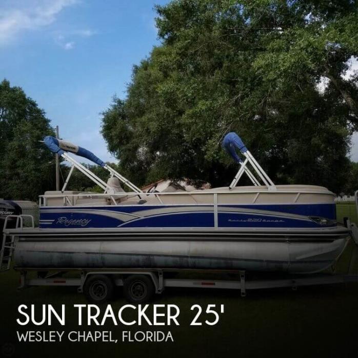 2013 Sun Tracker Party Barge 220 Regency