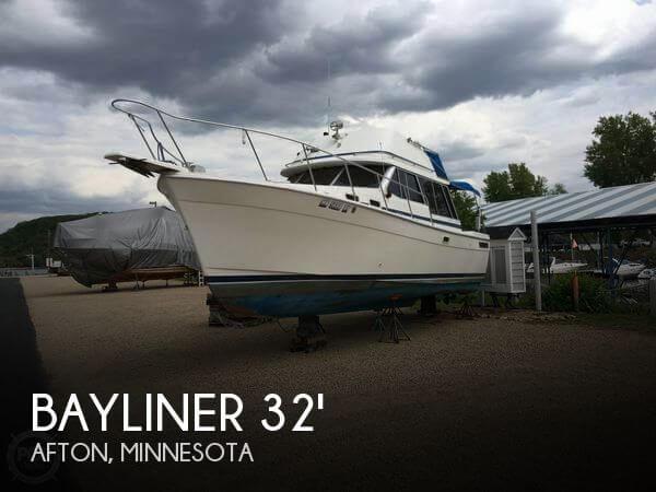 1985 Bayliner 3270 Explorer