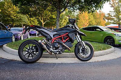 Ducati : Hypermotard 2014 ducati hypermotard w extra carbon fiber exhaust extended factory warnty