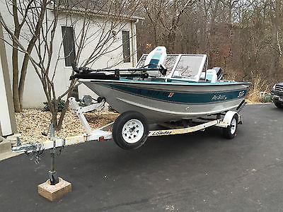 Sylvan 16 Pro Select Fishing Boat