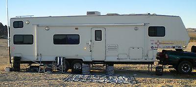 2000 Tahoe 35 ft. 5th wheel Toy hauler trailer