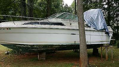 1981 Sea Ray Sundancer NEED TO SELL ASAP. NO RESERVE HIGHEST BIDDER TAKES IT!