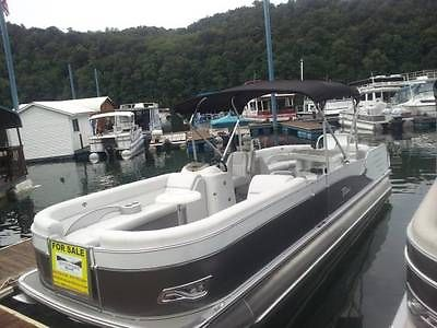 2014 NEW Tahoe 26' Tri-Toon Cascade Entertainer