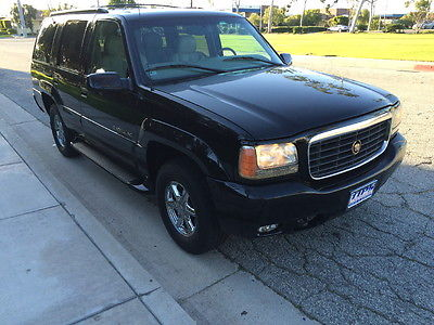 Cadillac : Escalade Base Sport Utility 4-Door LOW MILE ESCALADE SUV 4WD