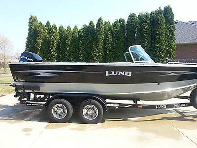 2004 19.1 ft Lund Fisherman with 2004 150 HP 2 Stroke Mercury Outboard