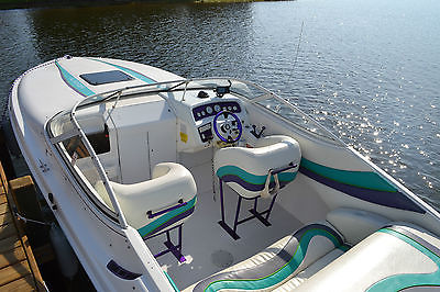 1993 Wellcraft 23 Nova Spyder with 575 horsepower Mercruiser 540 CI motor