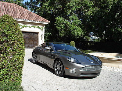 Aston Martin : Vanquish 2 Door Coupe FLORIDA,2+2,SPORT,RARE SDP EDITION,JAMES BOND COLOR,5400 MILES, COLLECTABLE !!