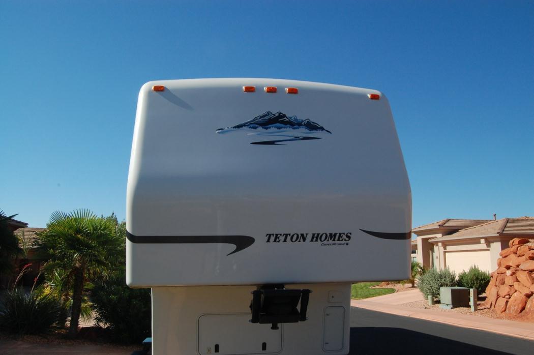 2005 Teton 33' Sunrise Experience