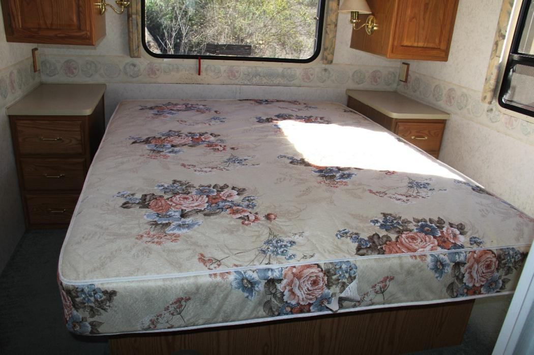 2011 Winnebago Via 25 Arizona