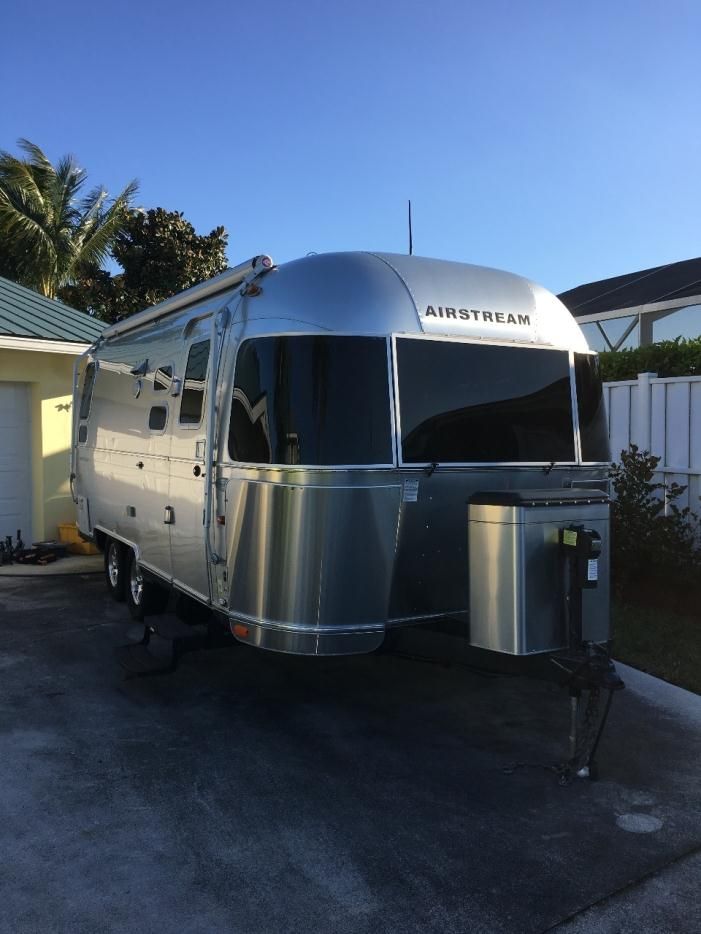 2010 airstream flying cloud 23 rvs for sale in florida. Black Bedroom Furniture Sets. Home Design Ideas