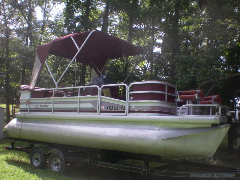 Riviera 22' Pontoon Boat with trailer