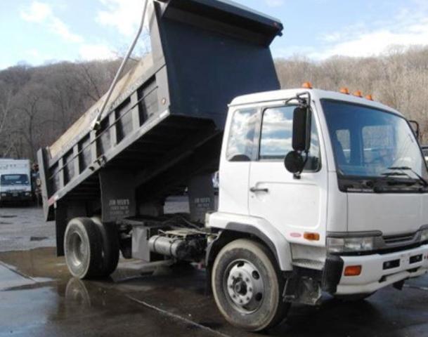2004 Ud Trucks 3300