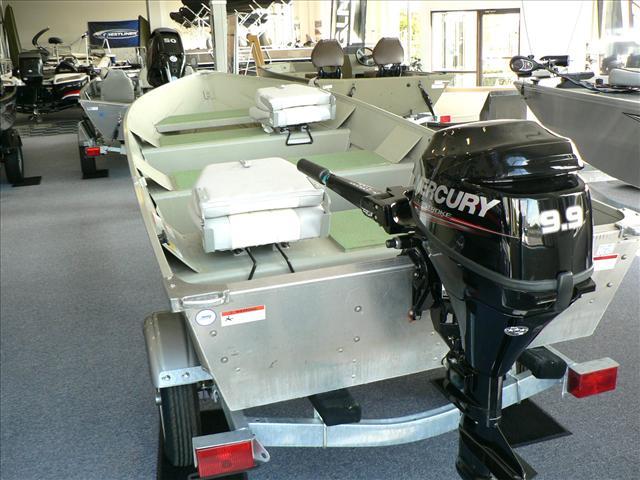 2010 LOWE BOATS V Hull aluminum V 1457
