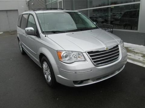 2009 Chrysler Town & Country 4 Door Passenger Van