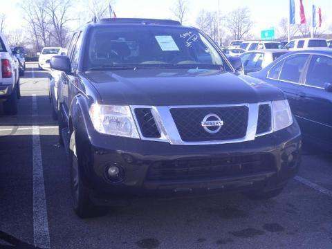 2012 Nissan Pathfinder 4 Door SUV