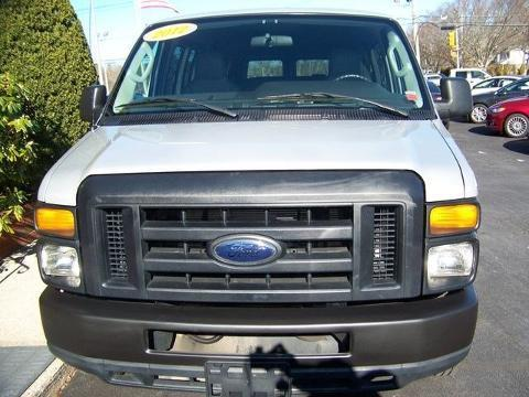 2012 Ford Econoline 350 Super Duty 3 Door Van