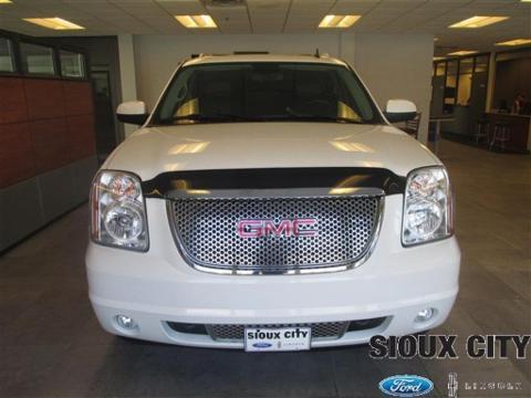 2007 GMC Yukon XL 4 Door SUV