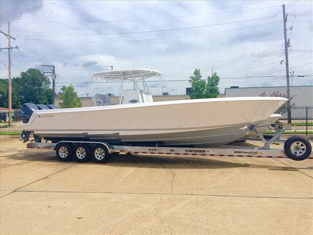 2016 Contender Offshore Center Console 35ST