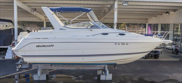 2001 Wellcraft Martinique 2600