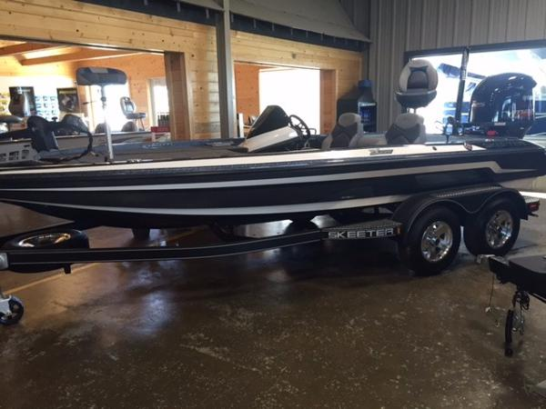 2015 Skeeter ZX225 - Color C