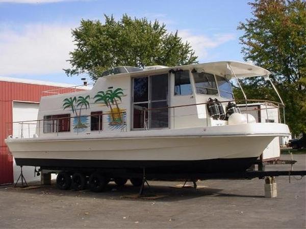 1972 Trojan 34 Houseboat