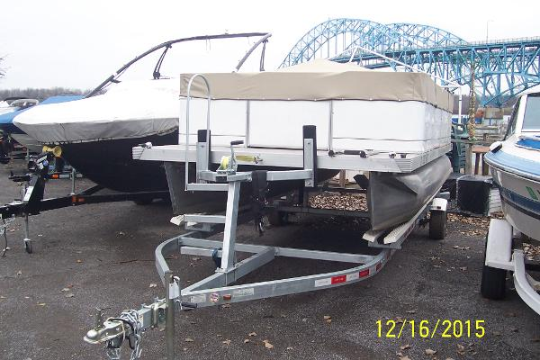 National innovation rc inc boats for sale in new york for Rc fishing boat for sale