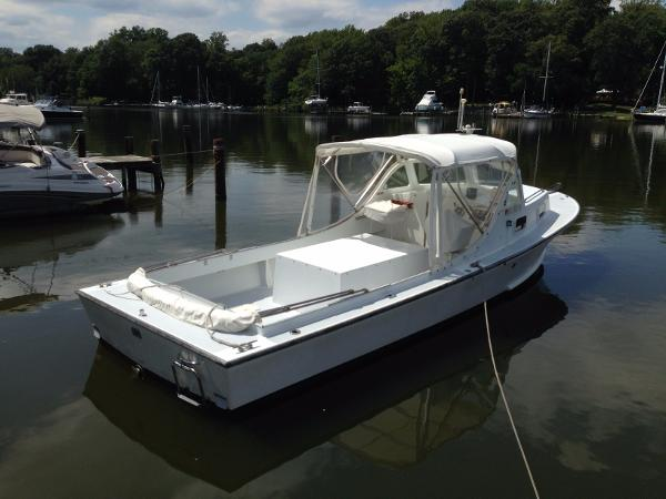 1982 ROBBINS 29 Chesapeake Deadrise Picnic Boat