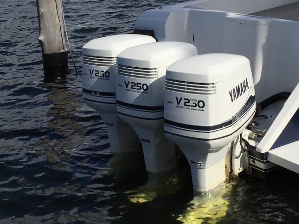Yamaha 250 hp efi triple set ox66 boats for sale for Yamaha 250 boat motor for sale