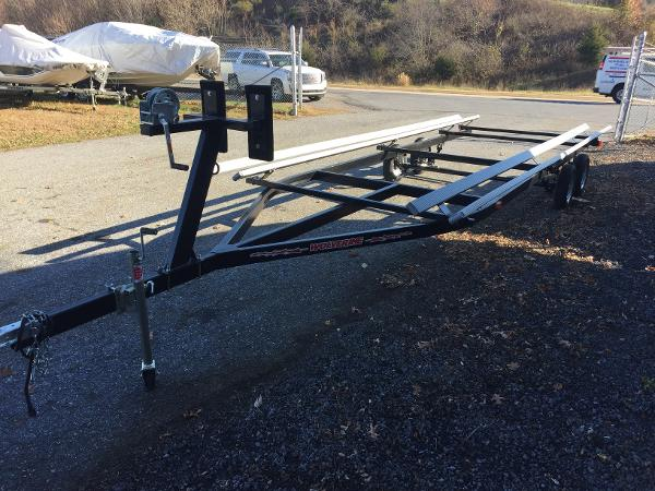 2016 hot summer industries 24' Pontoon Trailer Trailers