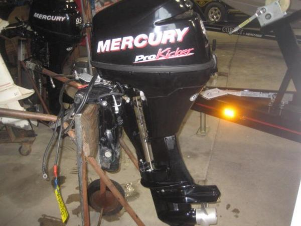 2011 Mercury 9.9hp Pro Kicker Engine and Engine Accessories