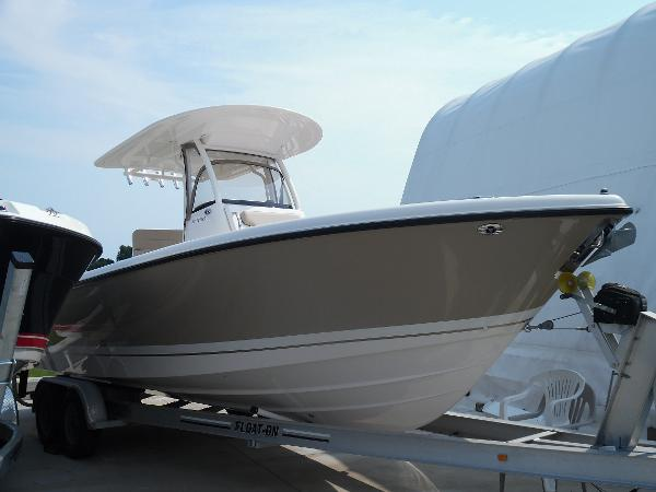 2015 Pursuit 260 Center Console