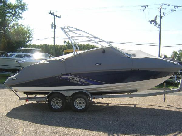 2009 Yamaha Sport Boat AR 230 H/O
