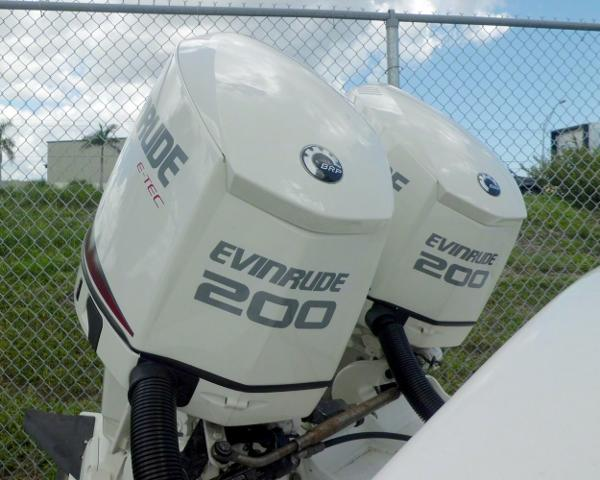 Evinrude E Tec 200hp 25 Shaft Direct Injected 2 Stroke Ou boats for sale