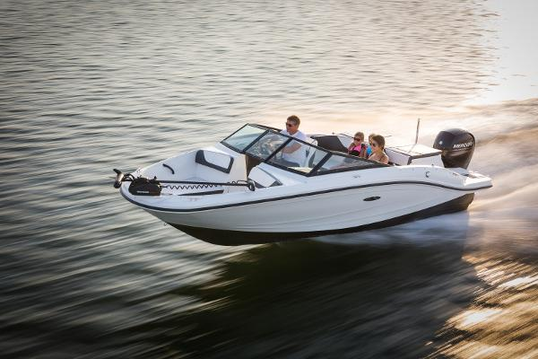 2016 Sea Ray 19 SPX Outboard